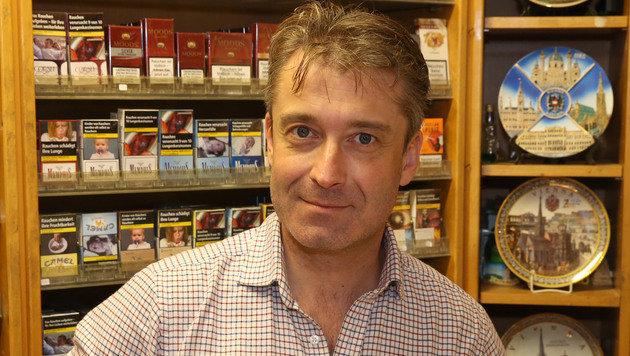 Thomas Almassy von der Trafik am Stephansplatz (Bild: zwefo)
