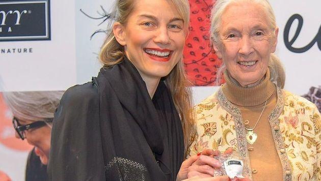 """Pirngruber unterstützt mit """"Nussyy""""-Produkten  Jane Goodalls Schimpansen-Projekte. (Bild: Carina Pirngruber)"""