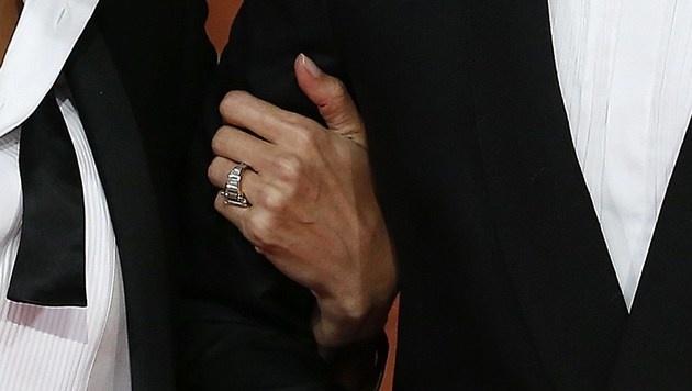 Brad Pitt fordert nun von Angelina Jolie den Verlobungsring zurück. (Bild: ANDREW COWIE/AFP/picturedesk.com)