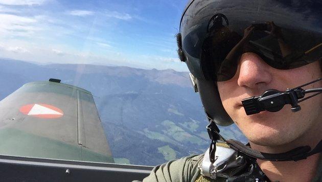 Mit 400 km/h über Judenburg und Zeltweg: Im Cockpit des Propellerflugzeuges (Bild: Krone.at)
