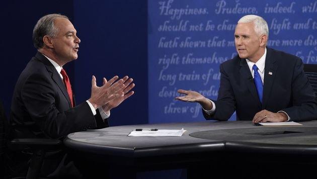 Kaine (links) und Pence schenkten einander - wie Clinton und Trump - nichts. (Bild: APA/AFP/SAUL LOEB)