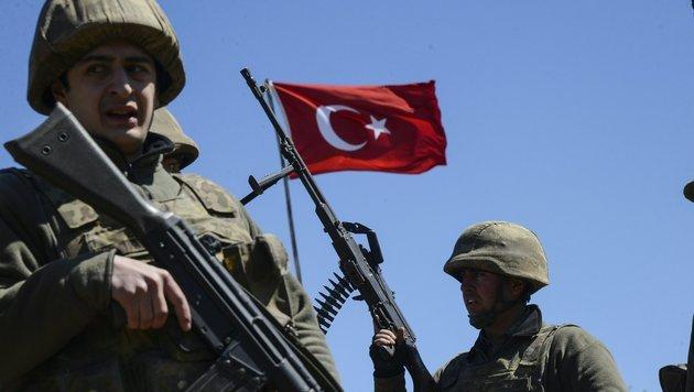 Türkische Soldaten im Irak werden als Besatzer gesehen. (Bild: APA/AFP/ILYAS AKENGIN)