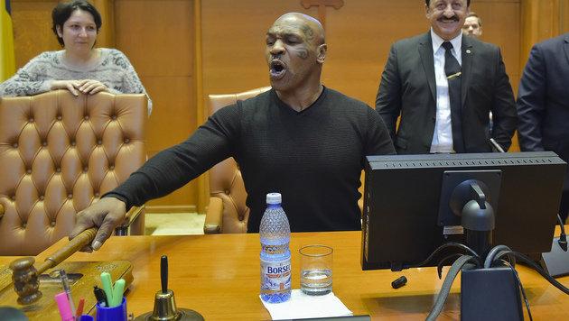 Wirbel um Parlamentsbesuch von Tyson in Rumänien (Bild: AP)
