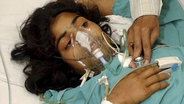 Noor Jehan (14) wurden von ihren Cousins angeschossen, überlebte aber. (Bild: AP)