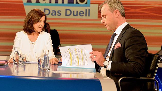 Ingrid Thurnher und Norbert Hofer bei der TV-Konfrontation der Hofburg-Kandidaten im Mai (Bild: APA/HERBERT NEUBAUER)