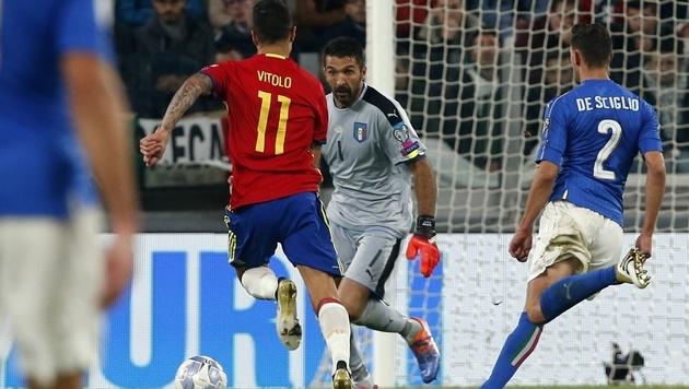 Buffon patzt bei Italiens 1:1 gegen Spanien (Bild: ASSOCIATED PRESS)