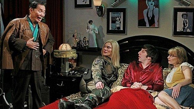"George Takei zu Gast bei ""The Big Bang Theory"" (Bild: CBS)"
