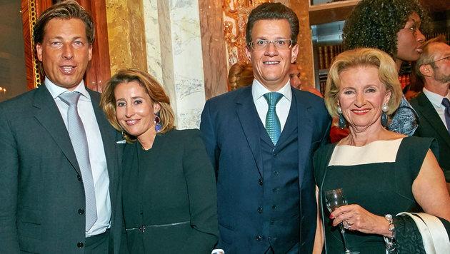 Elisabeth Gürtler mit Sohn Georg, Tochter Alexandra und Schwiegersohn Matthias Winkler (v.re.n.li.) (Bild: Starpix/Alexander Tuma)