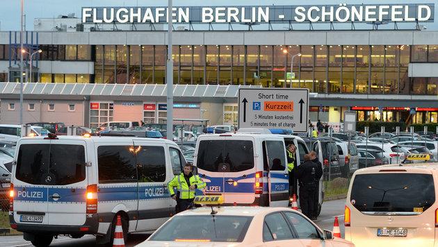 ... Flughäfen (Bild: APA/dpa/Maurizio Gambarini)