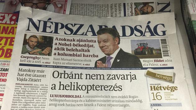 """Die letzte Ausgabe der kritischen Zeitung """"Nepszabadsag"""" (Bild: ASSOCIATED PRESS)"""