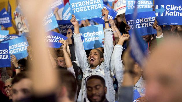 Clinton-Anhänger bei einer Parteiveranstaltung im US-Bundesstaat Ohio (Bild: ASSOCIATED PRESS)