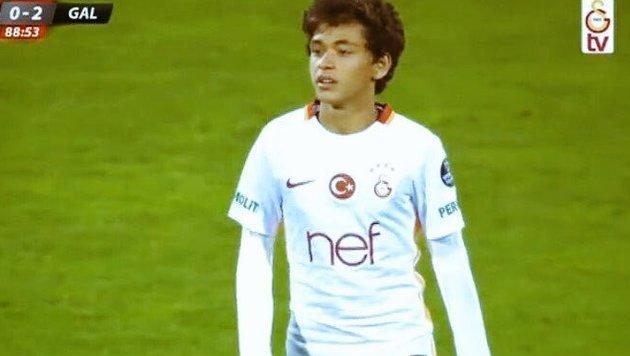 Mit 14 Jahren: Teenie debütiert für Galatasaray (Bild: twitter.com)