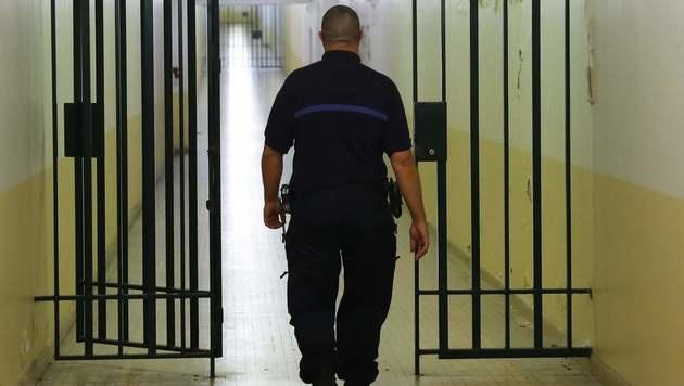 Mann wollte Frauen in Pkw zerren: 18 Monate Haft (Bild: AFP)