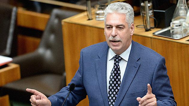 """Schelling garantiert: """"Keine neuen Steuern"""" (Bild: APA/Roland Schlager)"""