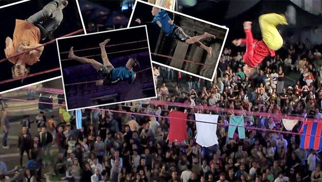 Slackline-Wahnsinn! Akrobaten trotzen Schwerkraft (Bild: Red Bull Contentpool)