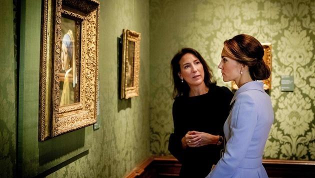 Beim Besuch im Mauritshuis Museum bewunderte Kate Kunstwerke von niederländischen Künstlern. (Bild: AFP)