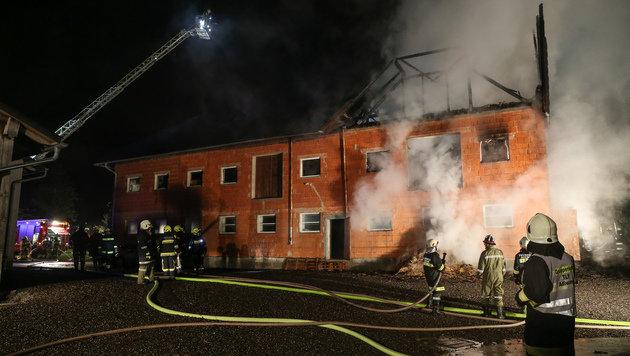 Löscheinsatz für 13 Feuerwehrtrupps aus der Umgebung (Bild: laumat.at/Matthias Lauber)