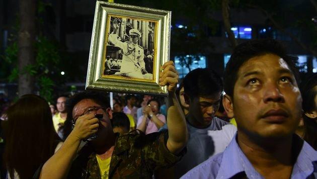 Thailand ruft einjährige Staatstrauer aus (Bild: AFP)