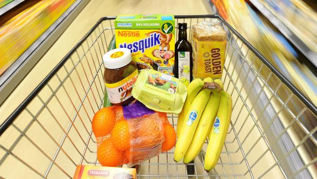 Die 8 besten Spar-Tipps beim Lebensmittel-Einkauf (Bild: APA/dpa/Julian Stratenschulte)
