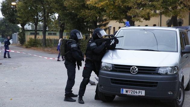 Terror in Wien: Einsatzkräfte proben den Ernstfall (Bild: Martin A. Jöchl)