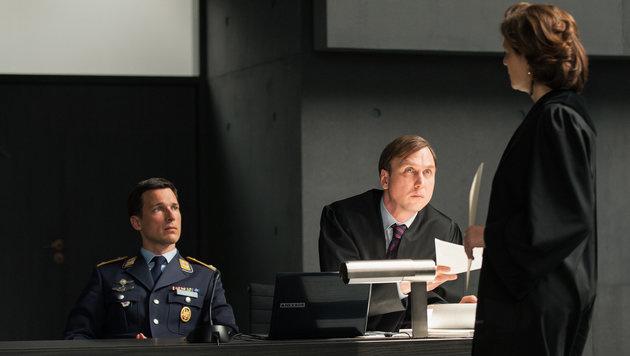 """""""Terror - Ihr Urteil"""": Pilot für Seher unschuldig (Bild: ORF/Degeto/Julia Terjung)"""