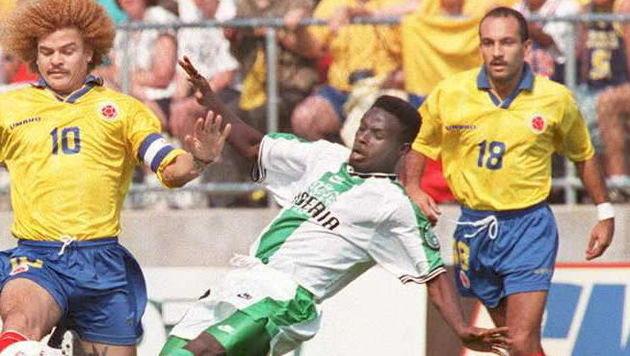 Diego Osorio (rechts) im Jahr 1995 im Nationalteam-Dress (Bild: JON LEVY/AFP/picturedesk.com)