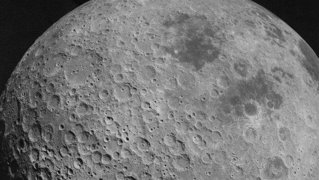 Die von unzähligen Kratern übersäte Oberfläche des Mondes (Bild: Lunar and Planetary Institute (Public Domain))