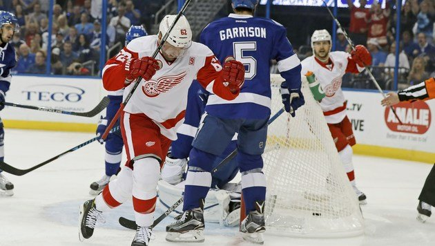 Thomas Vanek jubelt über sein Tor. (Bild: APA/AFP/GETTY IMAGES/Mike Carlson)