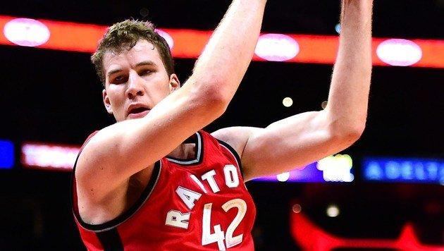 Jakob Pöltl bei Toronto-Pleite nur auf der Bank (Bild: Getty Images)