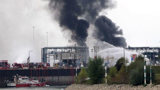 Explosion bei BASF: Tote und Schwerverletzte (Bild: APA/AFP/Daniel Roland)