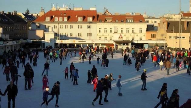 """""""Das Eis ist heiß: Schnallt die Schlittschuhe an (Bild: Engelmann)"""""""