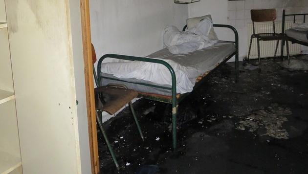 Mitten im Gefangenenraum brach das Feuer aus. (Bild: JA Wien Josefstadt)