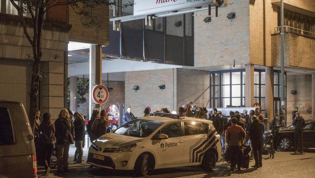 Brüssel: Bewaffneter nahm 30 Geiseln in Supermarkt (Bild: Associated Press)