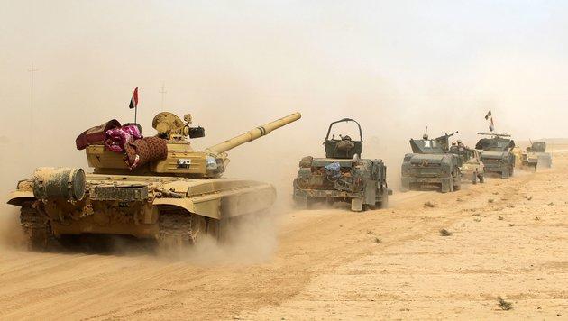 Irakische Truppen auf dem Weg nach Mossul (Bild: APA/AFP/Ahmad al-Rubaye)
