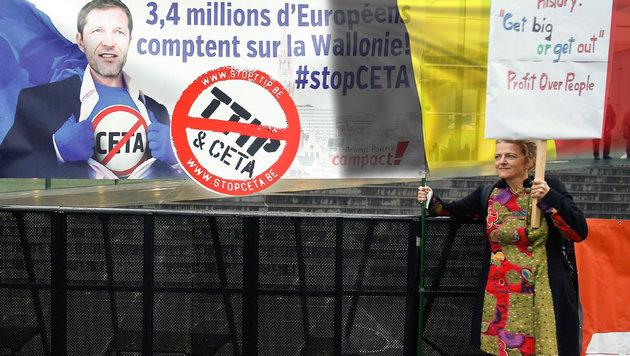 Nein zu CETA: Belgien bremst EU-Handelsrat aus (Bild: EPA/JULIEN WARNAND, thinkstockphotos.de)