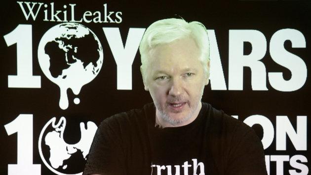 WikiLeaks-Gründer Assange hat kein Internet mehr (Bild: APA/dpa/Maurizio Gambarini)
