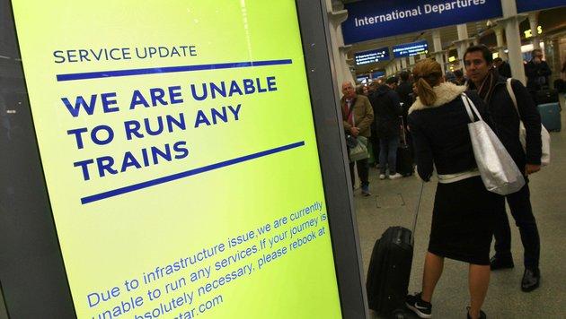 Zugverkehr im Eurotunnel für Stunden unterbrochen (Bild: APA/AFP/Justin Tallis)