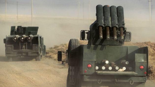 Die irakische Armee auf dem Weg nach Mossul (Bild: APA/AFP/AHMAD AL-RUBAYE)