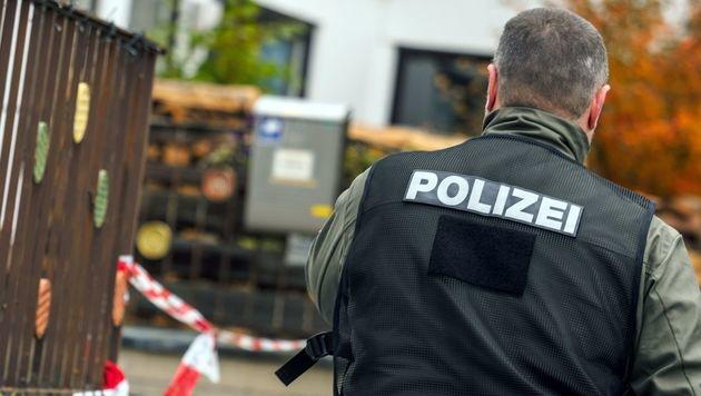 Polizeieinsatz am Tatort in Georgensgmünd (Bild: APA/AFP/dpa/Nicolas Armer)