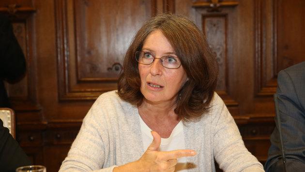 KPÖ-Parteichefin Elke Kahr hat Budgetverhandlungen abgebrochen - aus äußerst fragwürdigen Gründen. (Bild: Krone)