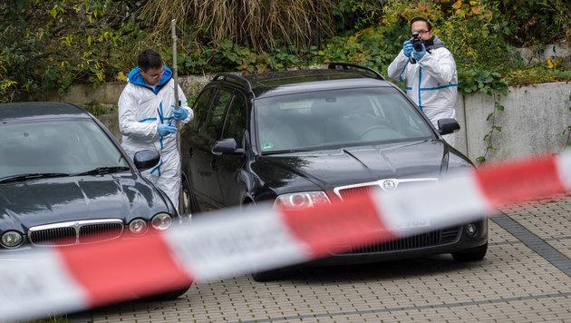 Ermittlungen am Tatort in Georgensgmünd (Bild: APA/dpa/Nicolas Armer)