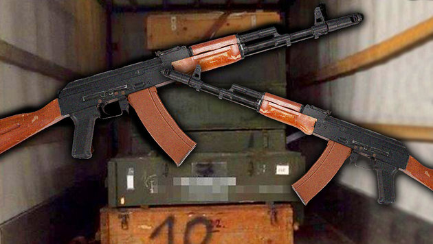 In diesen Kisten, die der Lkw geladen hatte, waren die Waffen verstaut - darunter etliche AK-47. (Bild: thinkstockphotos.de, Polizei)