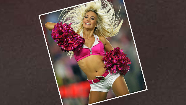 So macht American Football Spaß - der Cheerleader-Dame der Arizona Cardinals sei Dank. (Bild: APA/AFP/GETTY IMAGES/Christian Petersen)