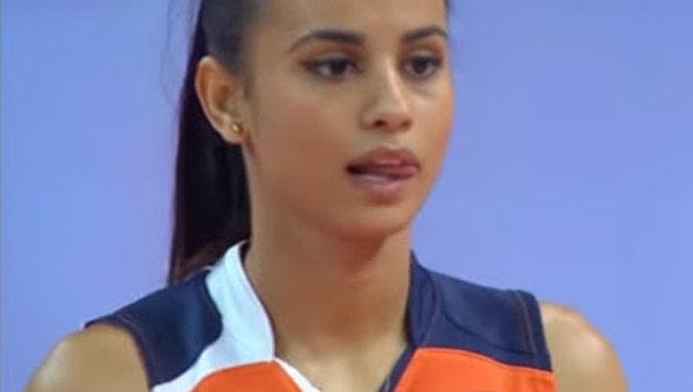 Das Rätsel um heißeste Volleyballerin der Welt! (Bild: YouTube.com)