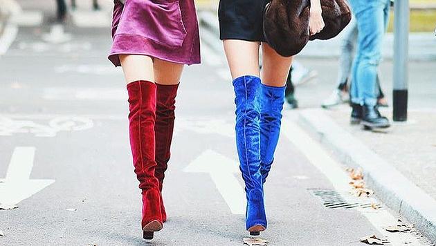 Stiefel und Stiefeletten aus Samt sind jetzt im Trend. (Bild: instagram.com/aquazzura)