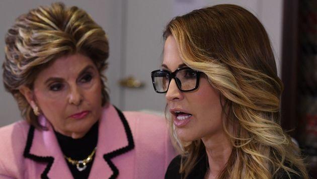 Pornodarstellerin Jessica Drake (re.) wirft Trump sexuelle Belästigung vor. (Bild: AFP)