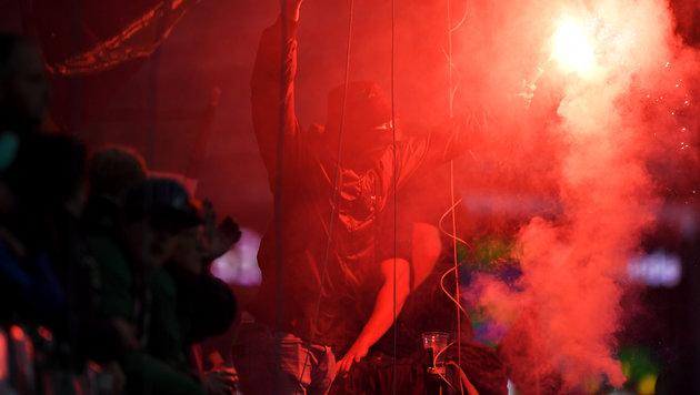 Wiener Derby: Hooligans schlugen aufeinander ein (Bild: GEPA)