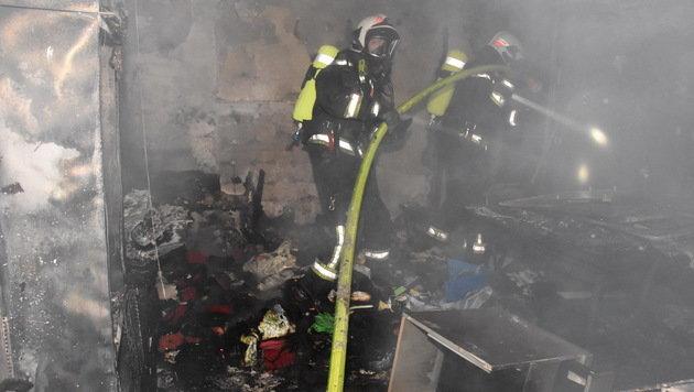 Wien: 20 Menschen aus brennendem Wohnhaus gerettet (Bild: MA 68 Lichtbildstelle)