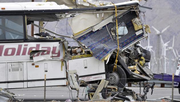 USA: Busreise endet mit katastrophalem Crash (Bild: AP2016)