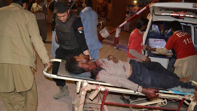 Pakistan: 60 Tote bei Angriff auf Polizeischule (Bild: Associated Press)